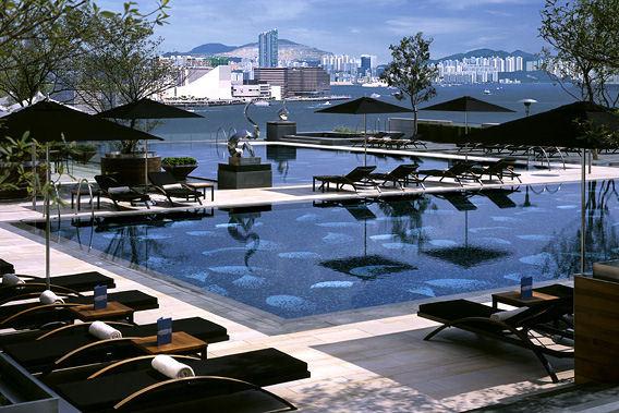 bob_Four_Seasons_Hotel_Hong_Kong_1_big