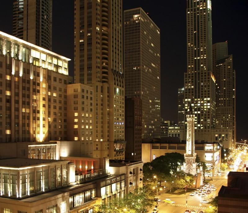 Bob Hoilday Travels Chicago
